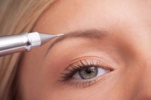 Permanent Make-up Augenbraue